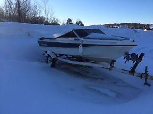 Late 2000s invader boat / $4200
