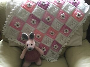 HEARTS & FLOWERS HAND KNITTED BABY BLANKET KNITTING PATTERN