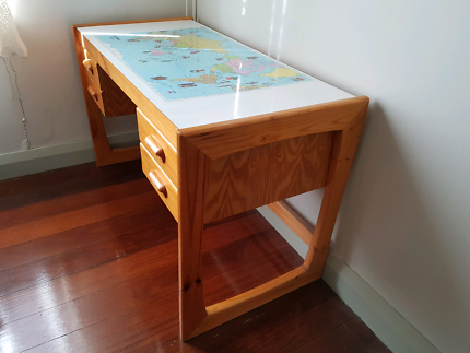 Retro world map table desks gumtree australia stirling area childs desk with 4 drawers retro 1980s world map on desk top gumiabroncs Image collections