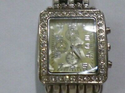NY&C LADIES WATCH GOOD CONDITION AND RUNNING WELL NEW BATTERY