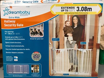 Dreambaby Security Gate with extension and all attachments