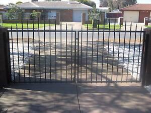 DRIVEWAY GATES WITH ARCH Burton Salisbury Area Preview