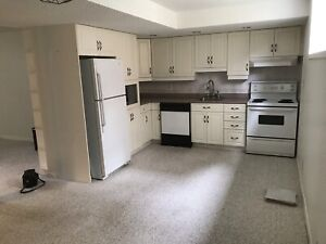 All inclusive furnished apt near SLC/ Providence/ Queen's Sept 1
