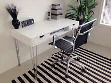 Beautiful desk & chair Runaway Bay Gold Coast North Preview
