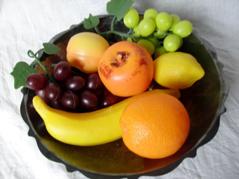 "Vintage 1960's WM A Rogers 10.5"" Silverplate Fruit Bowl & Plastic Fruit Footed"