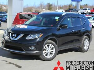 2015 Nissan Rogue SV AWD | HEATED SEATS | SUNROOF