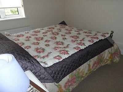 Vintage Eiderdown,/Quilt Reversible, Chintz, Cream with Red/Pink Rose Pattern