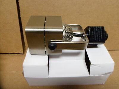 1 Light Mr16 120v Track - Nuvo Lighting 1 Light MR16, 120V Track Head, Square Brushed Nickel - TH312