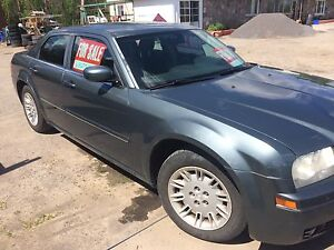 2005 Chrysler 300(safetied and etested)