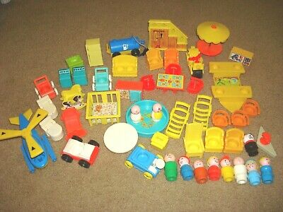Vintage FISHER PRICE LITTLE PEOPLE LOT Furniture, cars, boat, Family, kids, dog