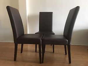 Dining room chairs/Chaise de salle à mangé  ( price reduced)
