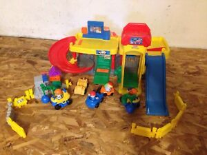 Little People Garage with extra