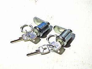 2 x POOL TABLE LOCKS WITH 4 KEYS