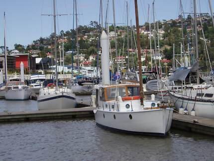 28ft Huon Pine motor sail river boat