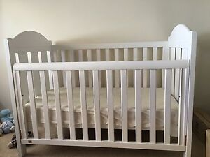 Wooden cot Redcliffe Belmont Area Preview