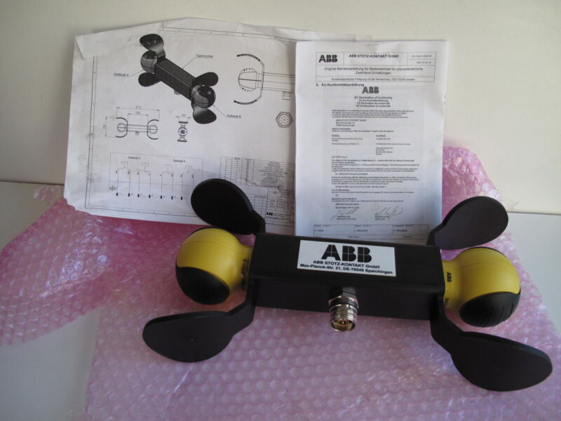 ABB JSTD25P-1 TWO-HAND SAFETY DEVICE, ABB 2TLJ020007R6500 Two-hand control, NEW