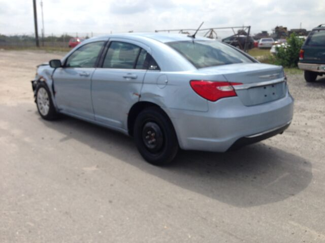 2013 Chrysler 200 Series  For Sale