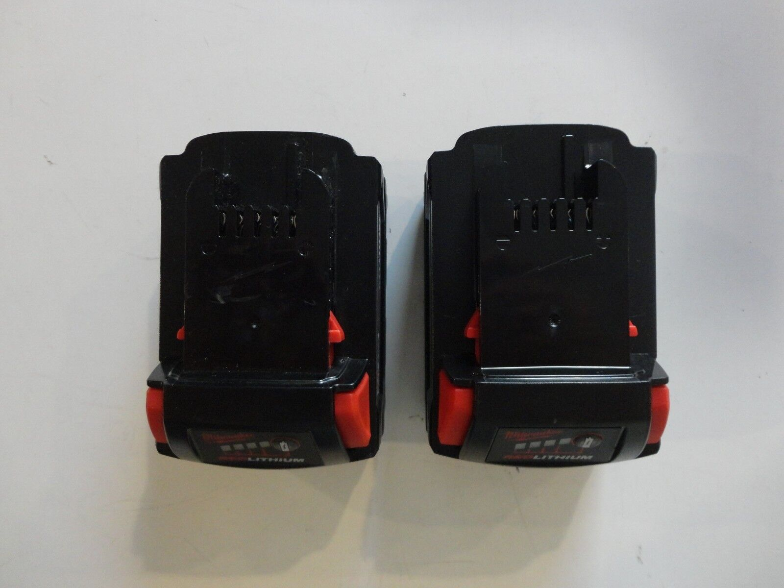 (2) MILWAUKEE 18V 18 Volt L i- Ion 48-11-1850 XC 5.0 AH Battery packs 48-11-1852 3