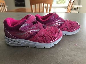 Saucony toddler shoes / Souliers pour enfants Saucony