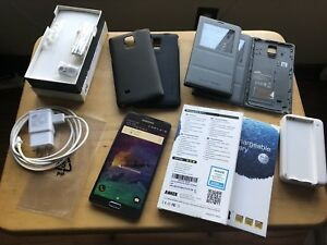 Samsung Galaxy Note 4 with accessories