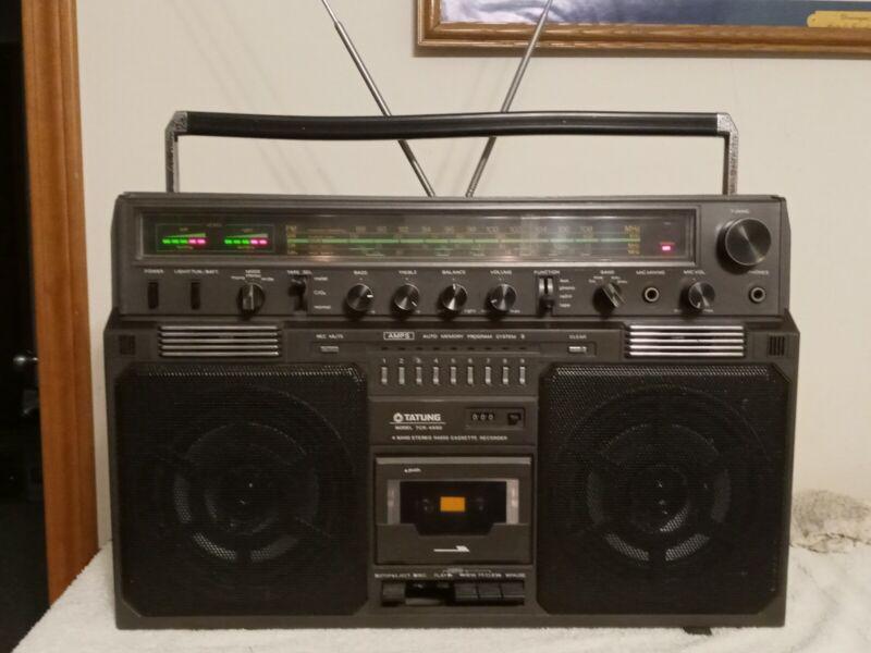 Tatung TCR-4500 Sanwa 4600 4 Band Stereo Radio Cassette Recorder Vintage Boombox