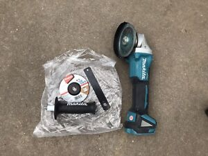 Perfect condition) Makita Grinder - brushless mobile DGA504
