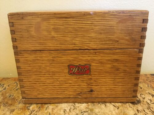 Vintage WEISS , OAK , DOVETAILED INDEX CARD/RECIPE BOX