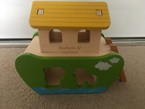 EverEarth Noah's Ark shape sorting timber toy Newcastle Newcastle Area Preview