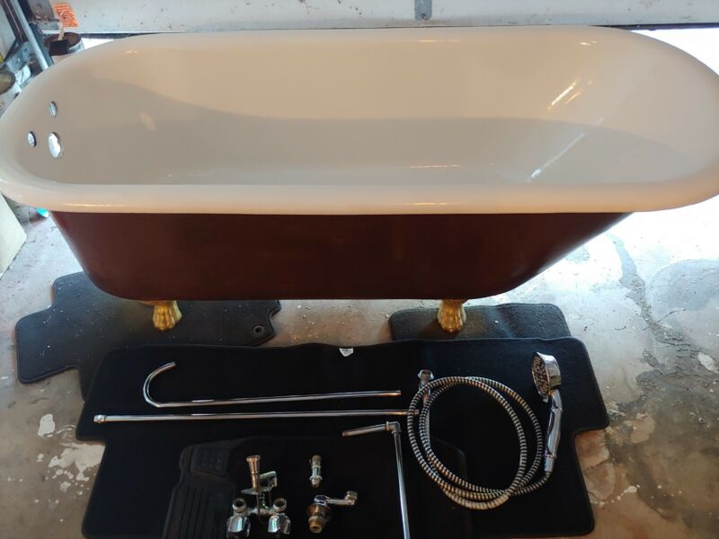 Vintage Clawfoot tub - Newly Refinished