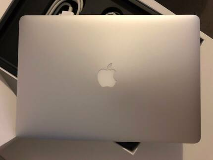 "2014 MacBook Pro Retina 15"" 750GB Flash Storage, 16GB RAM, i7"