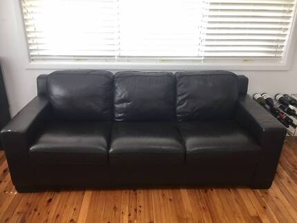 Leather Lounge - Modern 3 Seater & 2 Seater
