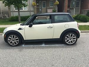 2010 Mini Cooper with manual transmission