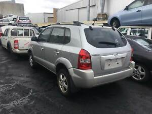 Hyundai Tucson 2005 silver wrecking Welshpool Canning Area Preview