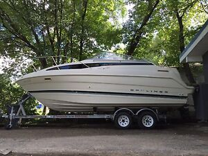 Bayliner 2355 with dual axel trailer