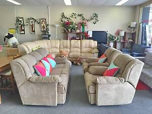 TODAY DELIVERY BEAUTIFUL COMFORTABLE RECLINER 3X1X1 sofas set Belmont Belmont Area Preview