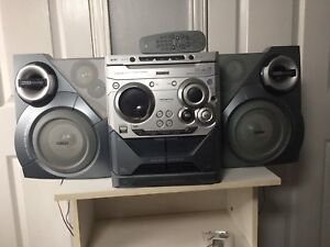 Philips radio 3 cd changer and cassette