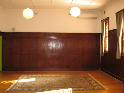 Studio practitioner consulting room for rent in Fitzroy