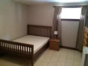 Room for rent in spacious/quiet Timberlands home!