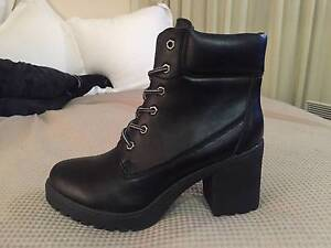 Brand New Betts Lace Up Boots Sandringham Bayside Area Preview