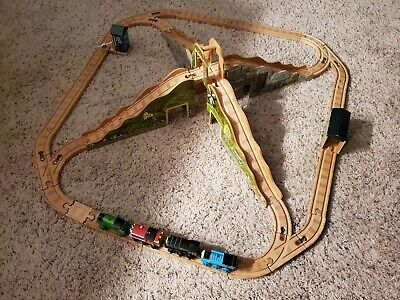 Complete, Thomas & Friends Wooden Railway Steamies and Diesels Mountain Crossing