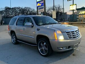 2007 Cadillac Escalade, low kms, clean title, very clean