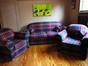 3 piece lounge and 2 lounge chairs Georgetown Newcastle Area Preview