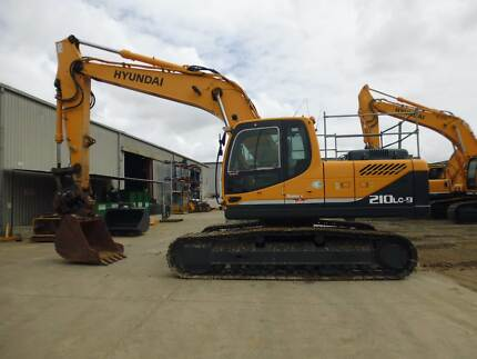 2009 Hyundai R210LC-9 / 21 Ton Excavator With Attachments Brisbane City Brisbane North West Preview