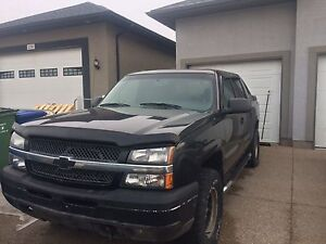 Chevy  avalanche 2004  $3750