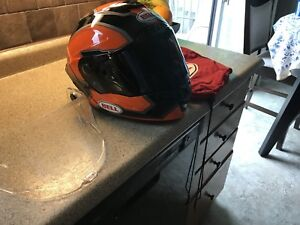 Bell Star motorcycle helmet with dark and clear visor. Large