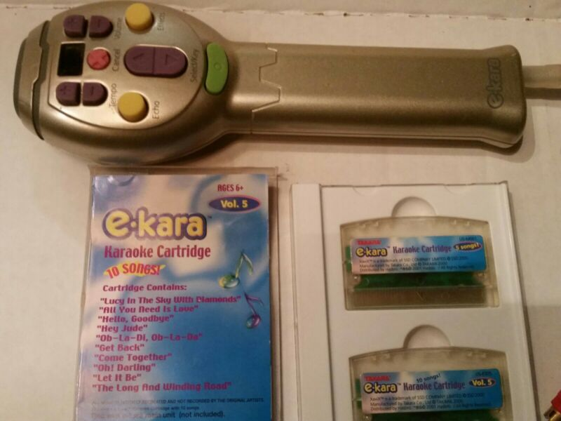 Vintage TAKARA E-KARA Karaoke  Beatles Singing Microphone w/2 Cartridges