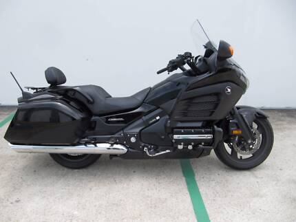 2014 Honda Goldwing F6B GL1800 Excellent Condition!