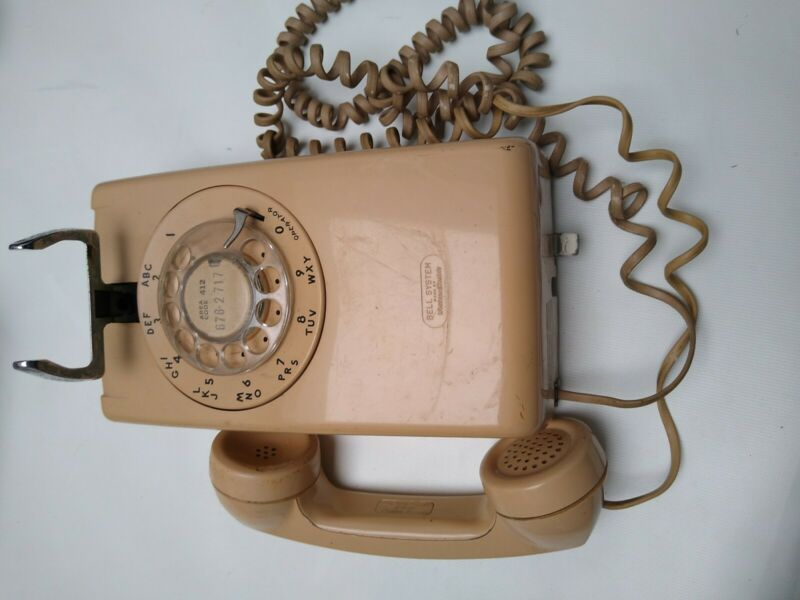 Vintage Rotary Dial Wired Telephone Bell System 228 9-78
