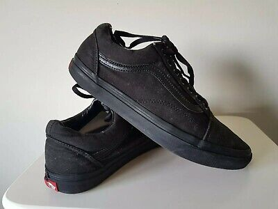Vans Old Skool Skate Shoe Unisex, Size 9.5 all black