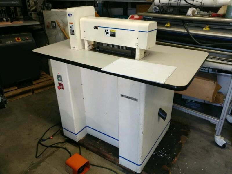 JBI Wire-O Punch and Closer PC/12 Series 700